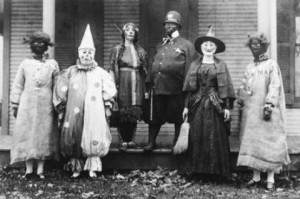 a-history-of-costumes-vintage-halloween-photo-L-I00TAD