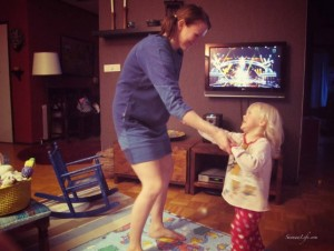 mother-daughter-dancing-voice-of-finland-background
